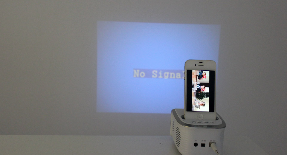 Sale8 ep1001 portable projector for iphone ipod for Portable projector for iphone