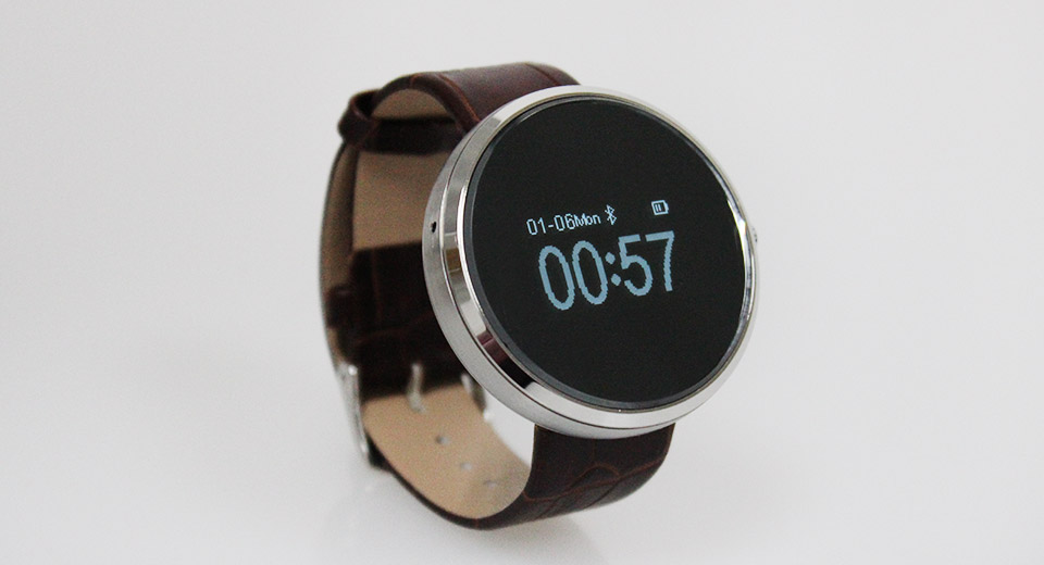 0.95'' OLED Round Dial Bluetooth V3.0 Smart Watch Phone