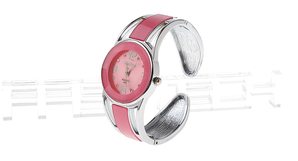 XinHua 681 Women's Analog Quartz Bracelet Watch
