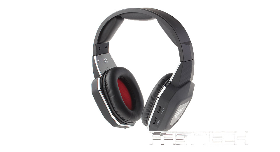 HC-S2039 2.4GHz Fiber-optical Wireless Gaming Headset for Xbox 360 / Xbox One / PS4 / PS3 / PC Frequency space: 2MHz Transmission rate: 3dBm Sample frequency: 48KHz Modulation mode: GFSK Receiving sensitivity: -85dB SNR: 85dB Speaker unit: 40mm Microphone: 6*2.7mm Sensitivity of microphone: -35dB Frequency response of microphone: 100Hz-8KHz Suitable for PS3 / PS4 / PC / Mac / Xbox 360 / Xbox One / TV Transmitter: Rated voltage: DC 5V Rated input current: 500mA Operating current: 75mA