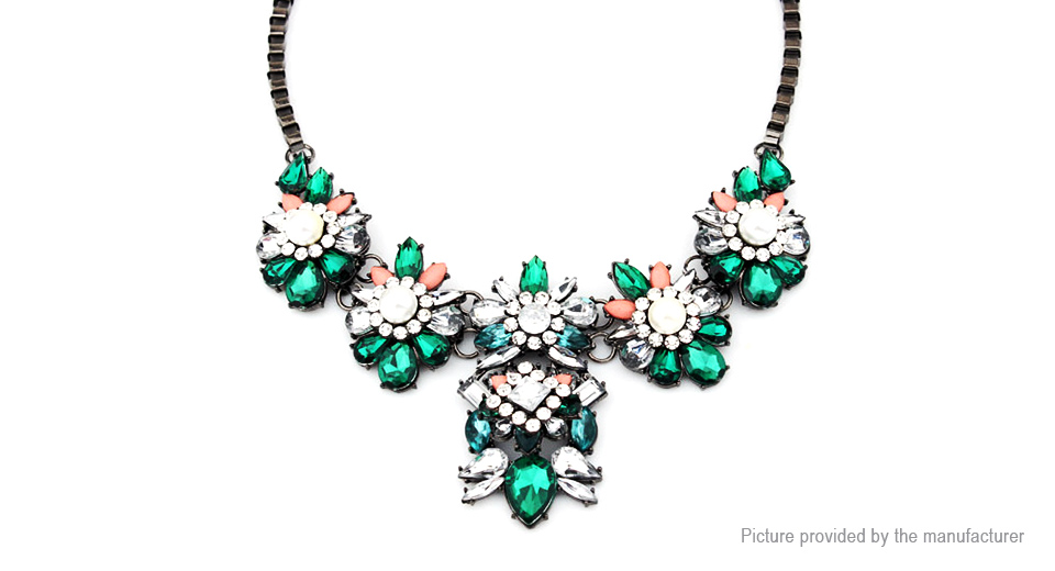 Rhinestone Embedded Flowers Pendant Bib Statement Necklace