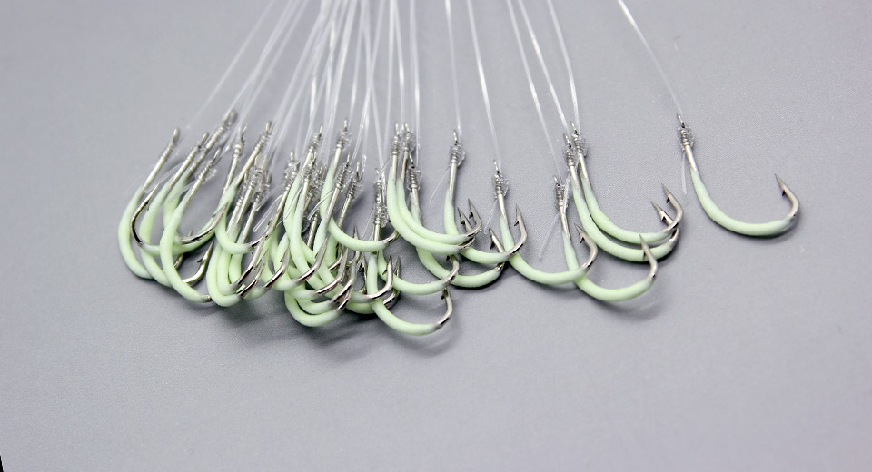 Glow-in-the-Dark Pre-Wired Fishing Hooks (30-Piece)