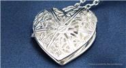 Hollow-out Heart Shaped Photo Locket Pendant Necklace